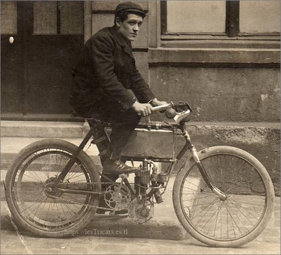 motocyclette Werner modèle 1902, photo ancienne