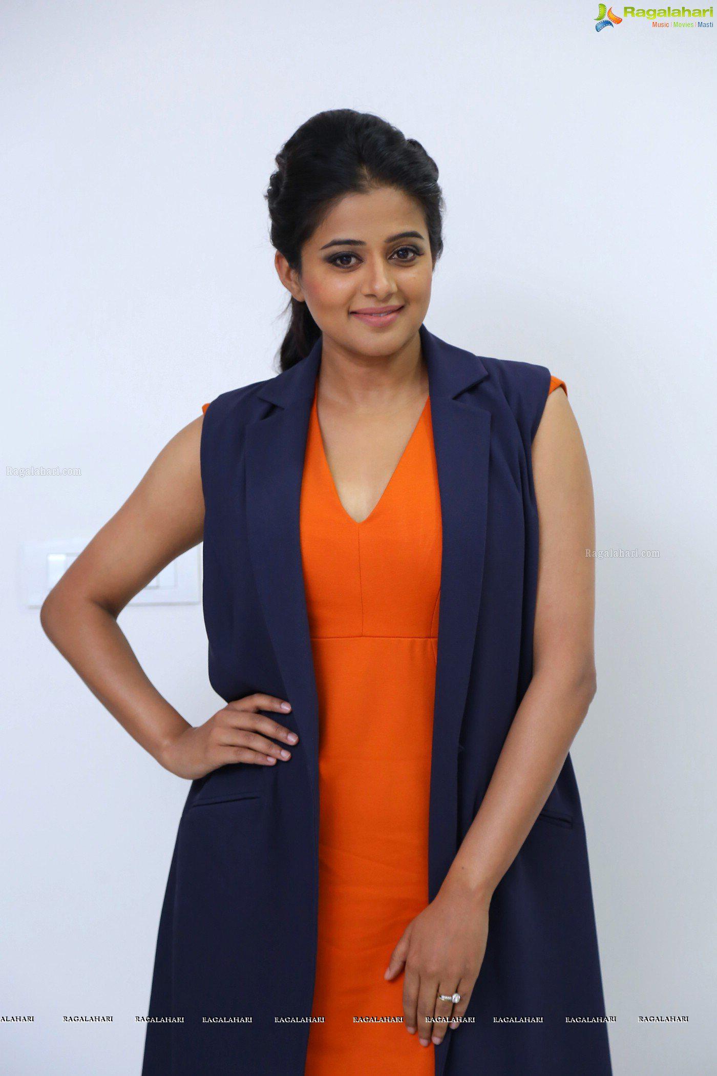 priyamani-orange-dress15.jpg
