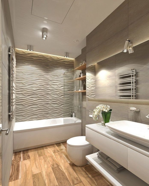 Ванная комната с элементами светлого дерева