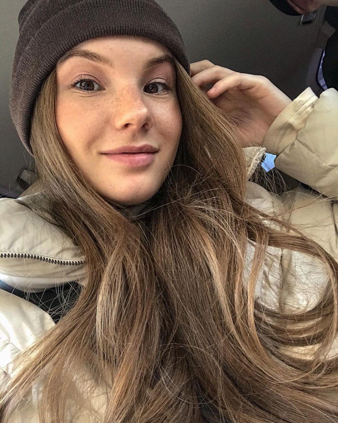 Anna-Kudinova-Wallpapers-Insta-Fit-Bio-19