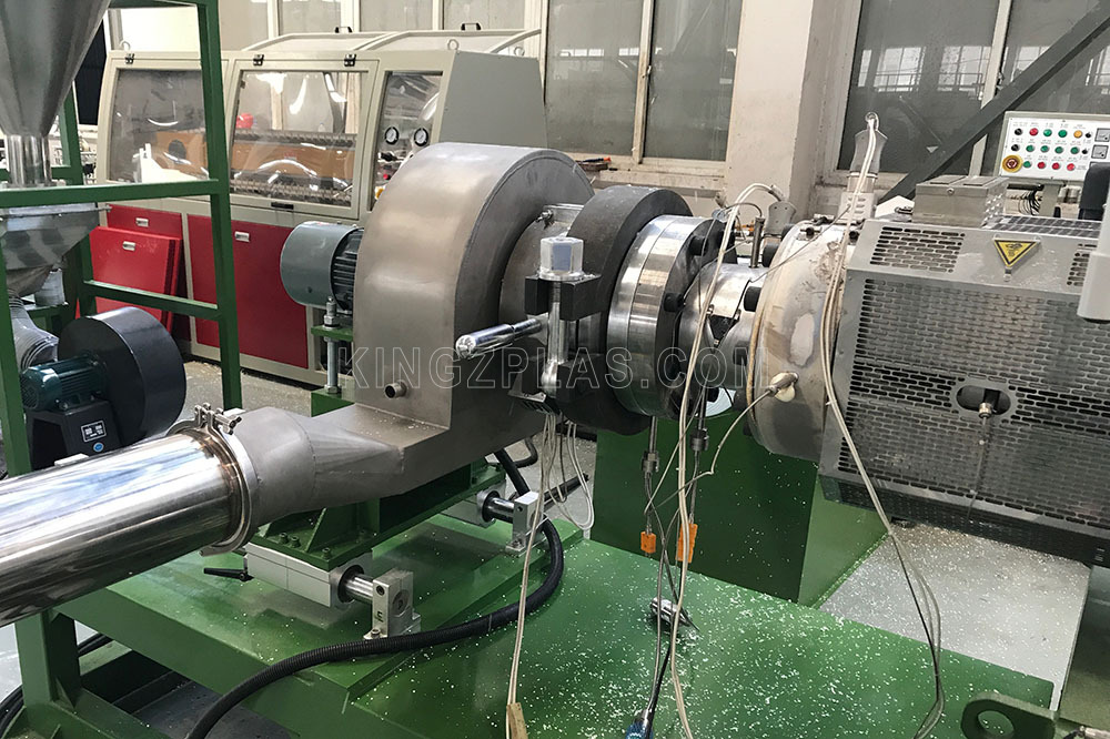PVC-granulating-air-cooling-hot-face-cutting