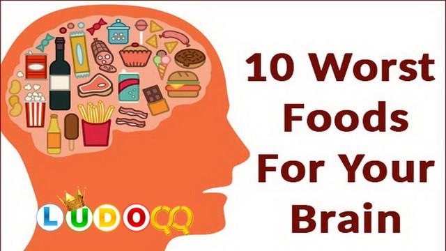 10 Makanan yang Memiliki Dampak Buruk Terhadap Otak