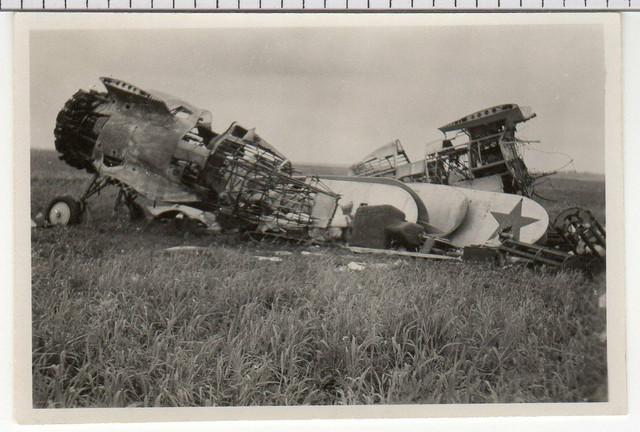 141120-Photo-2-Wk-Abgeschossenes-Russisches-Flugzeug-57