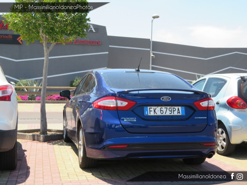 Avvistamenti auto rare non ancora d'epoca - Pagina 22 Ford-Fusion-Titanium-Energie-FK679-PA