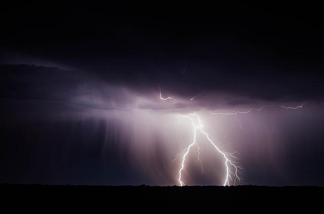 An image of a lightning bolt.