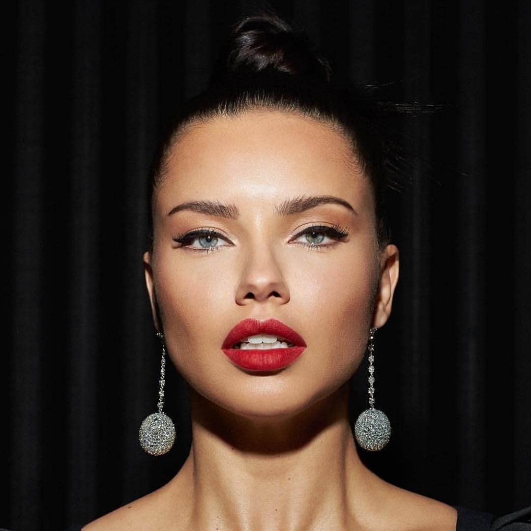 Adriana-Lima-2
