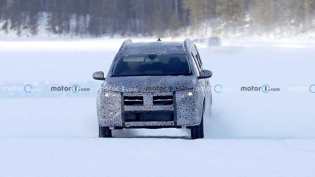 2022 - [Dacia] Jogger 87027-CC8-6-EF7-4473-870-A-E888-C389477-E