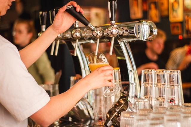 https://i.ibb.co/7kQ0Yyb/wine-party-bartenders.jpg