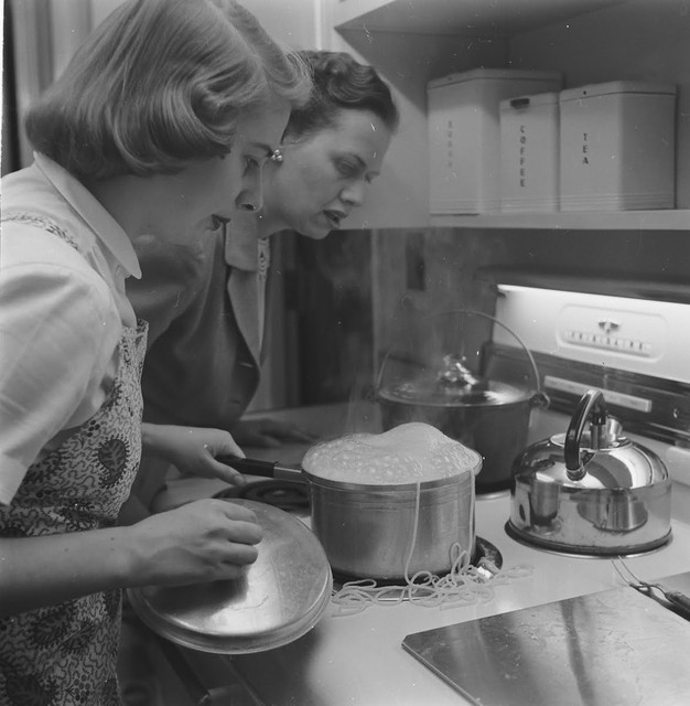 Home-Economics-course-at-Cornell-University-USA-1951-7