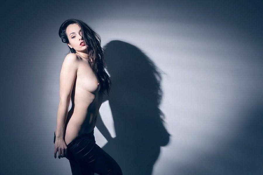Voyeur-Flash-com-Sophie-Stage-nude-36