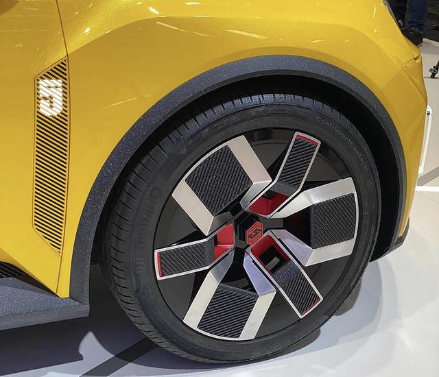 2021 - [Renault] 5 E-Tech - Page 8 CAA6611-B-48-F3-4-C92-A63-F-3-EEC259-F06-FB
