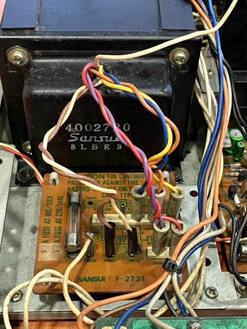 Cambio de Voltaje 120V a 220V en amplificador Vintage IMG-5177