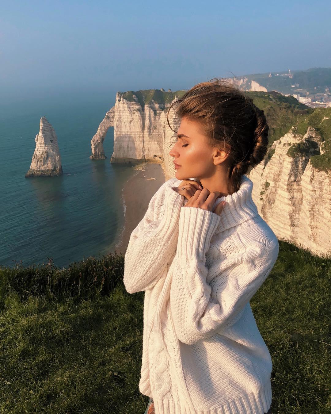 Anastasia-Mironova-Wallpapers-Insta-Fit-Bio-3