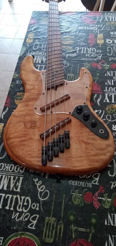 Projeto de baixo na Guidini Guitars (cancelado pela luthieria) - Página 2 Mart3