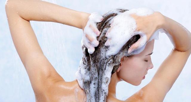 шампунь на голове