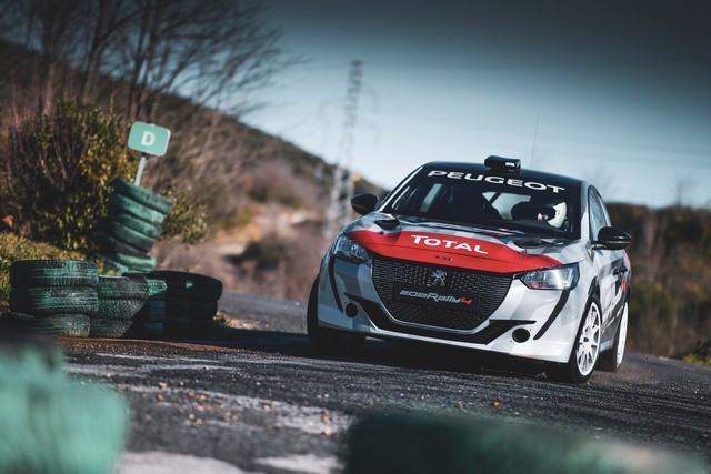 La 208 Rally Cup Fait Ses Débuts Au Mont-Blanc Avec La Nouvelle 208 Rally 4 ! 4-19