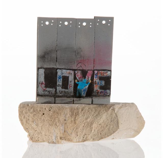 banksy-walled-off-love