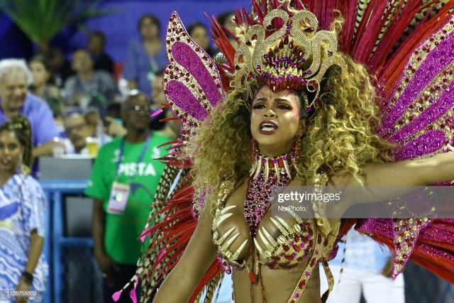 Members-of-Samba-School-Portela-perform-during-the-parade-at-2019-Brazilian-Carnival-at-Sapucai-Samb