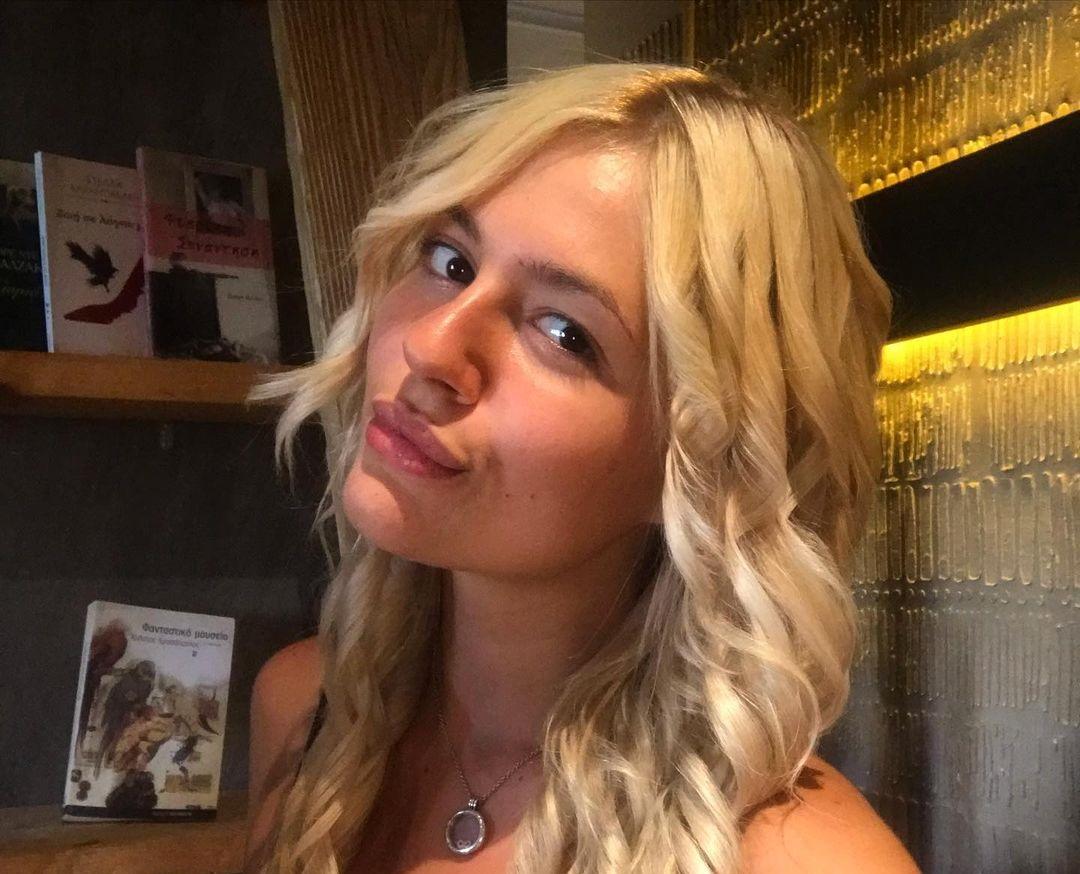 Alexandra-Koutsantoni-Wallpapers-Insta-Fit-Bio-5