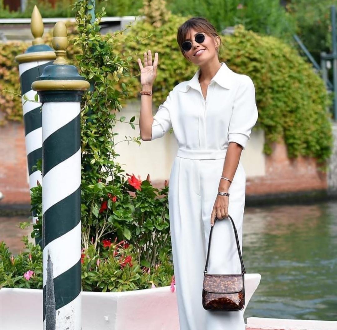 Serena Rossi indossa Giorgio Armani a Venezia