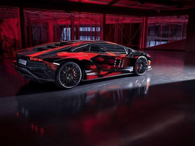 Automobili Lamborghini et Yohji Yamamoto célèbrent l'inauguration du Lamborghini Lounge Tokyo et du Studio Ad Personam 571302
