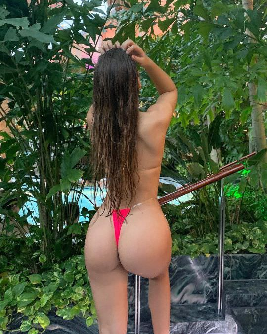 Nicole-Dobrikov-thotseek-com-12-23-03-12-49-2204740492453755460-1622074493