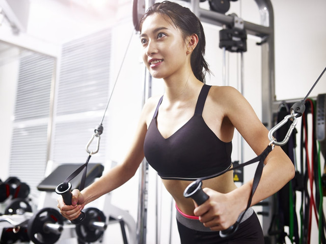 10 Latihan Kekuatan Yang Harus Anda Coba di Rumah
