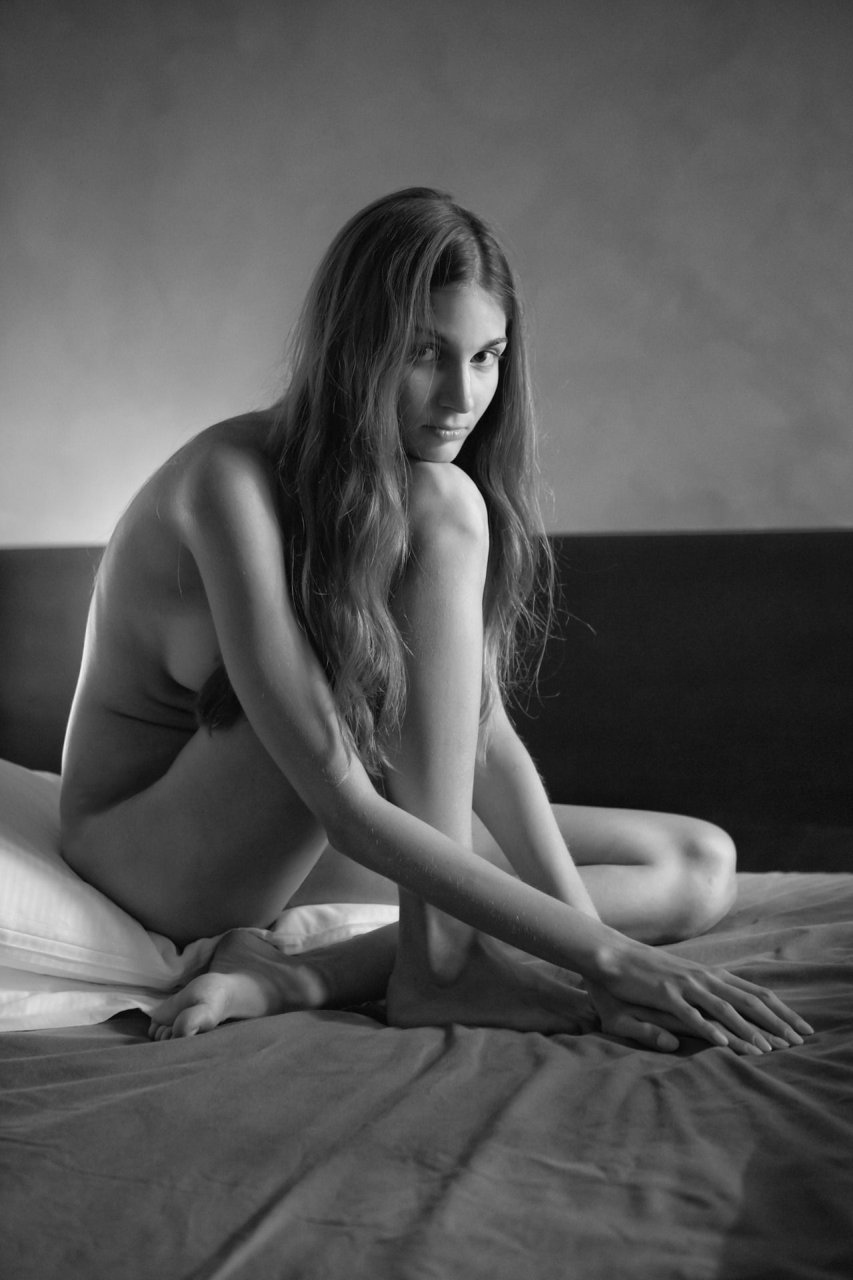 The-Fappening-Blog-com-Lina-Lorenza-Topless-8