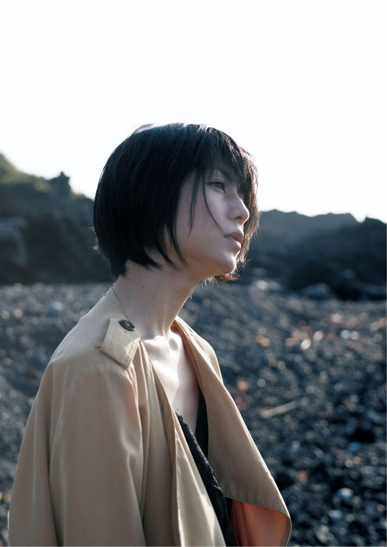 芳野友美ファースト写真集『或る女』050