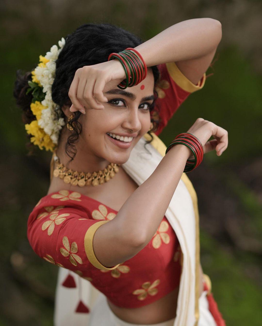Anupama-Parameswaran-Onam-Photoshoot-5