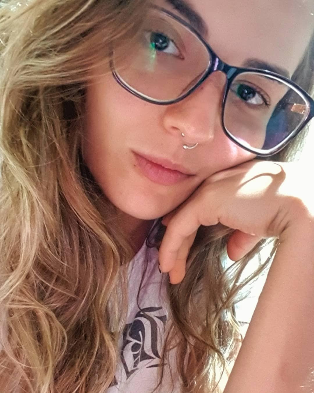 Vanessa-Garcia-Wallpapers-Insta-Fit-Bio-1