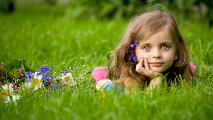 girl-grass-lie-flowers640702-jpg33d-yapfiles-ru