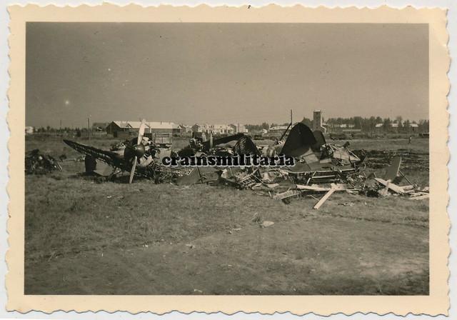 Orig-Foto-zerst-rtes-russisches-Beute-Flugzeug-Wrack-in