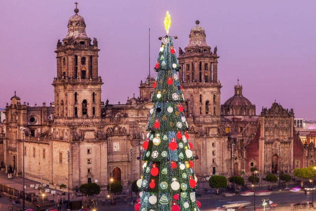 93498-pohon-natal-zocalovdi-mexico-city