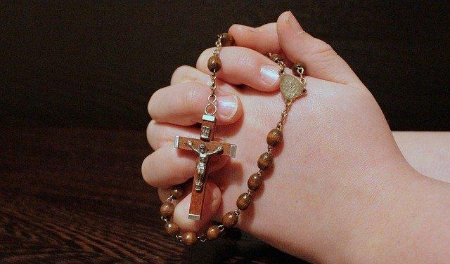 rosary-1211064-640