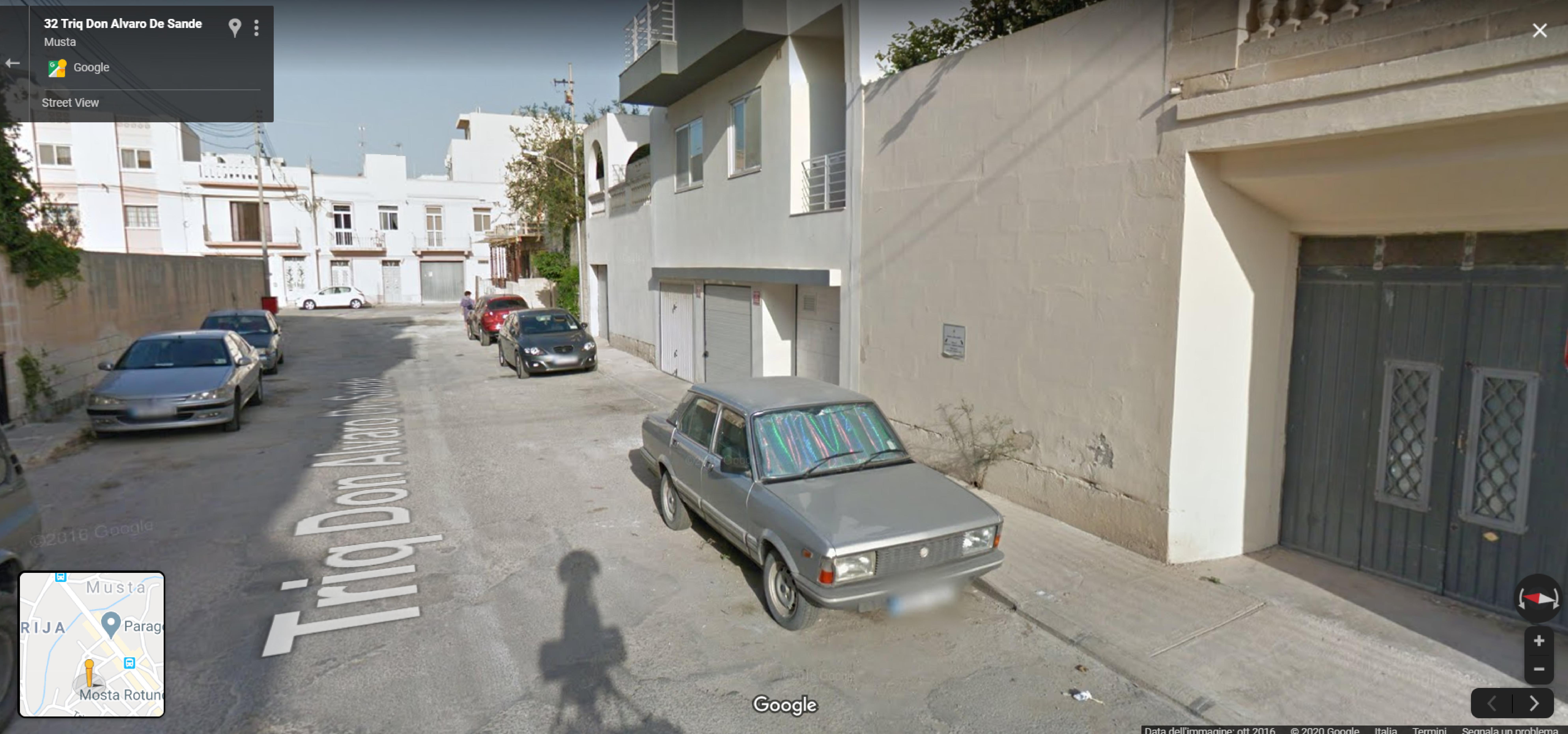 Auto  storiche da Google Maps - Pagina 11 Malta-varie-10