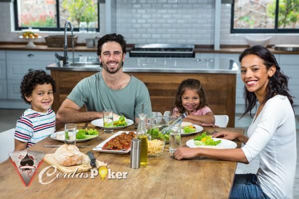 Pentingnya Gerakan Kembali ke Meja Makan untuk Keluarga