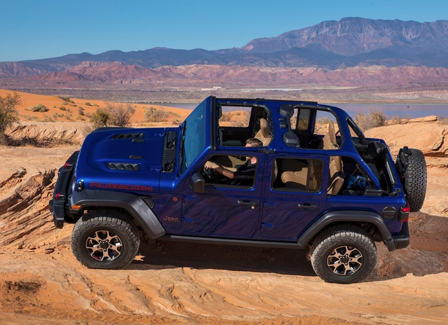 Jeep-Wrangler-Unlimited-2020-Screen-Shot-2020-04-29-at-9-48-09-PM