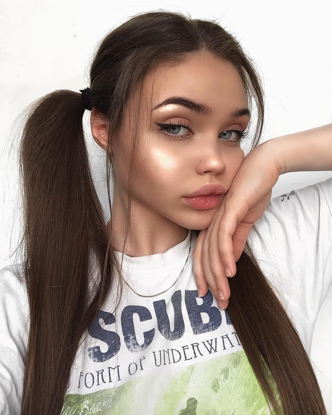 Eliza-Kayudina-Wallpapers-Insta-Fit-Bio-15