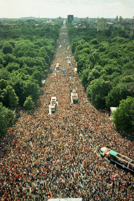 Loveparade-2003-by-Dr-Motte-2