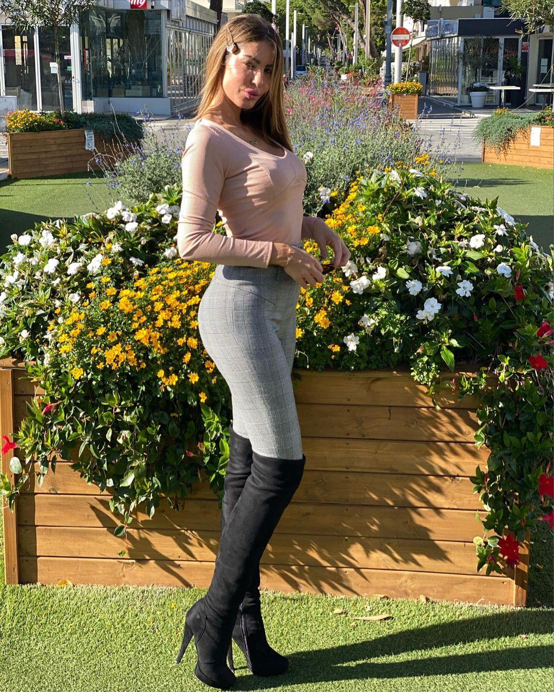 Jessica-Zanazzi-Wallpapers-Insta-Fit-Bio-6