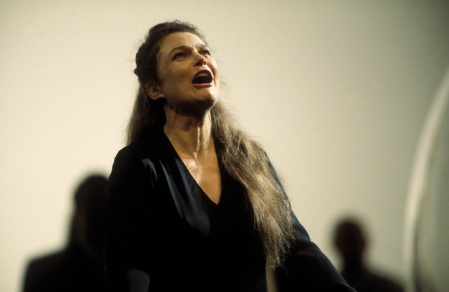 G-Lorraine-Hunt-Lieberson-in-Theodora-at-Glyndebourne-Festival-1996-Glyndebourne-Productions-Ltd-Photo-Mike-Hoban