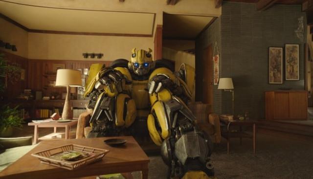 Bumblebee-sentado