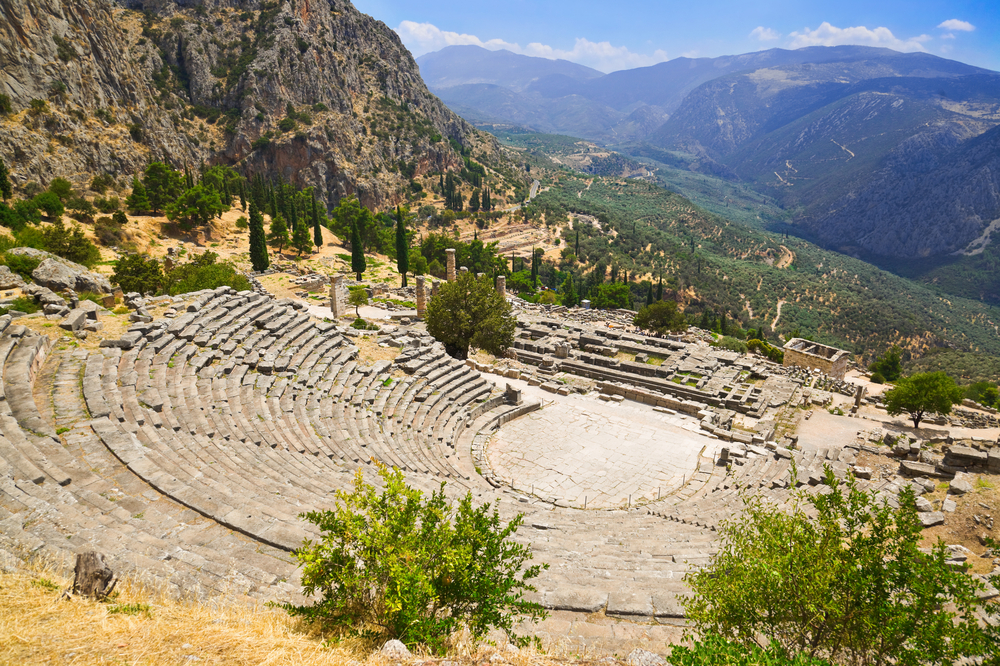 Theatre-of-Delphi-and-Stadium