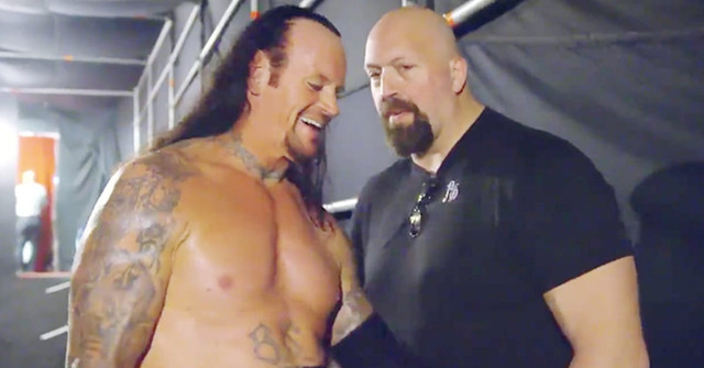 Big-Show-The-Undertaker-Backstage-At-WWE-Wrestle-Mania-34