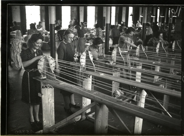 1940-female-factory-workers-employed-in-parachute-factory-D3330-E-3-8-A-A