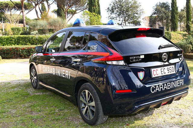 52 Nissan Leaf Pour Les Carabiniers Italiens Nissan-LEAF-all-ARMA-dei-CARABINIERI-11-source