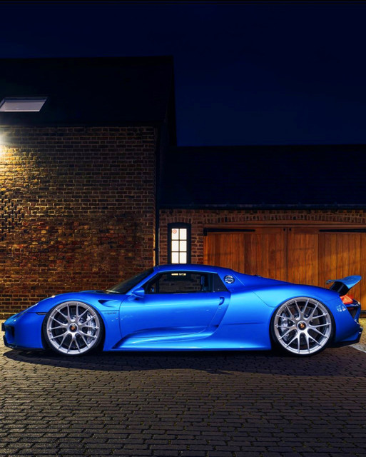 Dr-Knauf-Slammed-Altered-Porsche-918-Spyder-Blue-2021