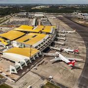 800px-Manaus-Airport-2014