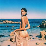 [Image: Rafaella-Consentino-nude-23.jpg]